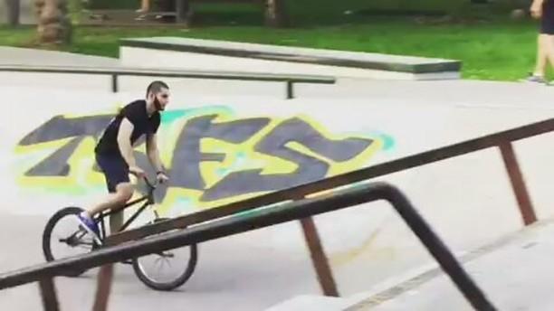Perovo jibs from Elnur 101  @elnur101 –  Оч круто покатались сегодня с ребятами в Перово) some jibs from Perovo plaza yo)за съмеку спасибо @scvmbxgt  и @kutikataico @pridestreet #pridestreet#psbikes#freecoaster#barspin#mountainbike#mtb#mtbstreet#bike#bmx#kutikatai#540#grind#pegs – #mainframe