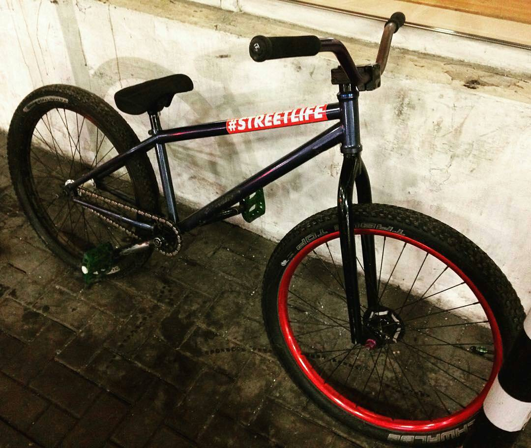 Streetlife Pride Street Mainframe by @malakhovminus – #mtbstreet #pridestreet #mtb #streetlife #mainframe #bikecheck #2016 #psbikes