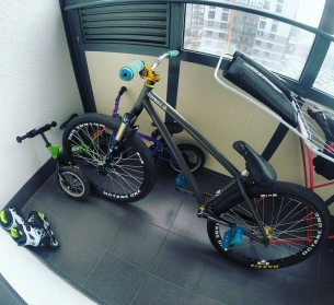 One more compilation with Pride Street Main Frame  from @dirtpark29 -  Вот как мы гоняем в отпуск) Как же без катки!? #pridestreet #mainframe #mtb #26inch #спб #dirt29 #dirtpark29 #strider #united #recruit #rollerblade #thebikedads - #psbikes