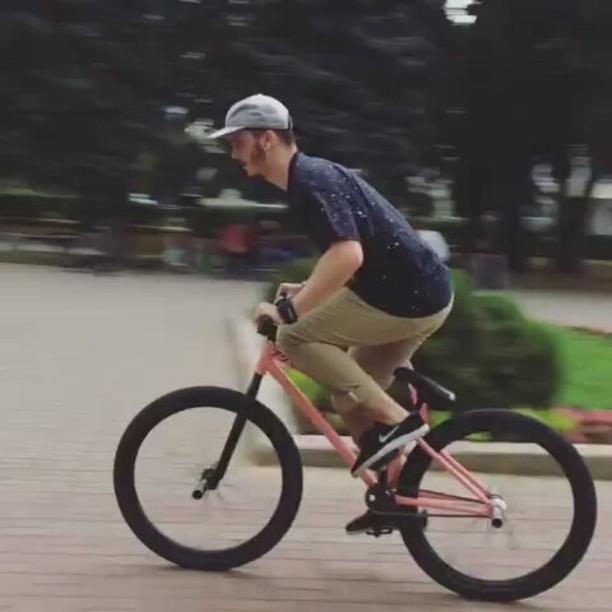 Quick moves from Serj Matt @serj_matt – Локал движения👌🏼 #pridestreet #psbikes #psmainframe #psimpulse #psatlas #clean #style #steez #balance #control #riders #riderschannel #mtbstreet #mtb26 #mtbpower #mtbgrind #4pegs #street #moscow #russia #ciay #ca #vvcforce #summer #technical #local #localspot #bat #barspin