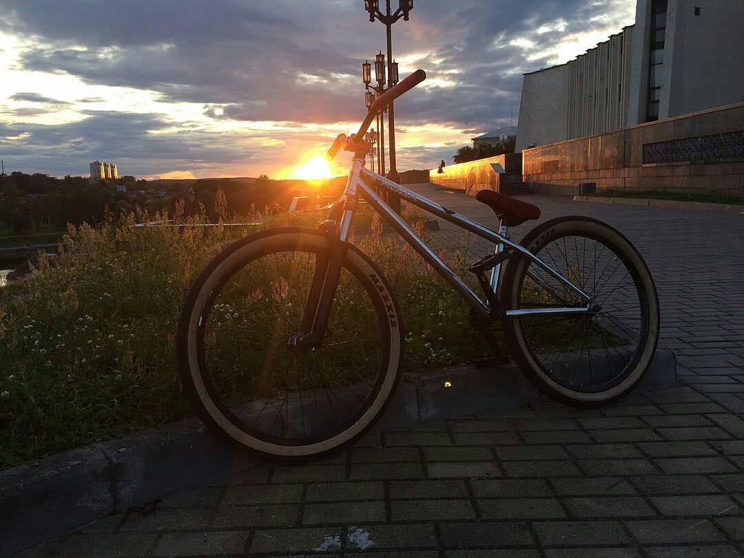 More bike from @evgeniy_kozlovski – Street machine Pride Street Main Frame @pridestreet #pridestreet#mtb26#therisedotcom#stressbmx#mtbstreet#street#pravdabmx#rockshox#summer#maxxis#bmx#grodno#dramteatr#odysseybmx#shadowbmx#odi#rollallday #psbikes