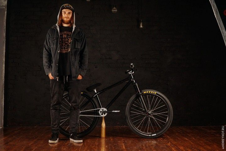 Alexandr Belevskiy @alxndr_belevskiy and his new Shred Frame Tapered 26″, more news and photos soon 🔜  #pridestreet #psbikes #shredframe #xsasportschool