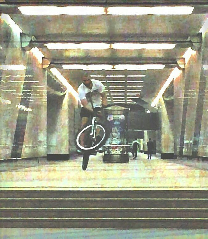 Real vibes from Elnur yo  @Regrann from @elnur101 –  SUBWAY #BARSPIN #XXX #DIRTY #101