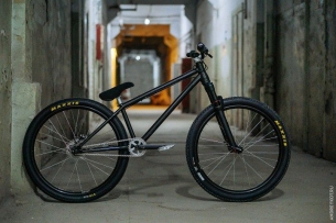 "Alexandr Belevskiy new Pride Street Shred Frame 26"" tapered version  So clean and smooth Photo by @andreykotmtb  #pridestreet #psbikes #xsaschool #shredframe"