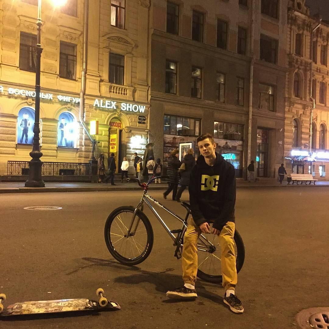 Saint-p bro's with Pride Street Main Frame  from @zrspb –  Просто леха