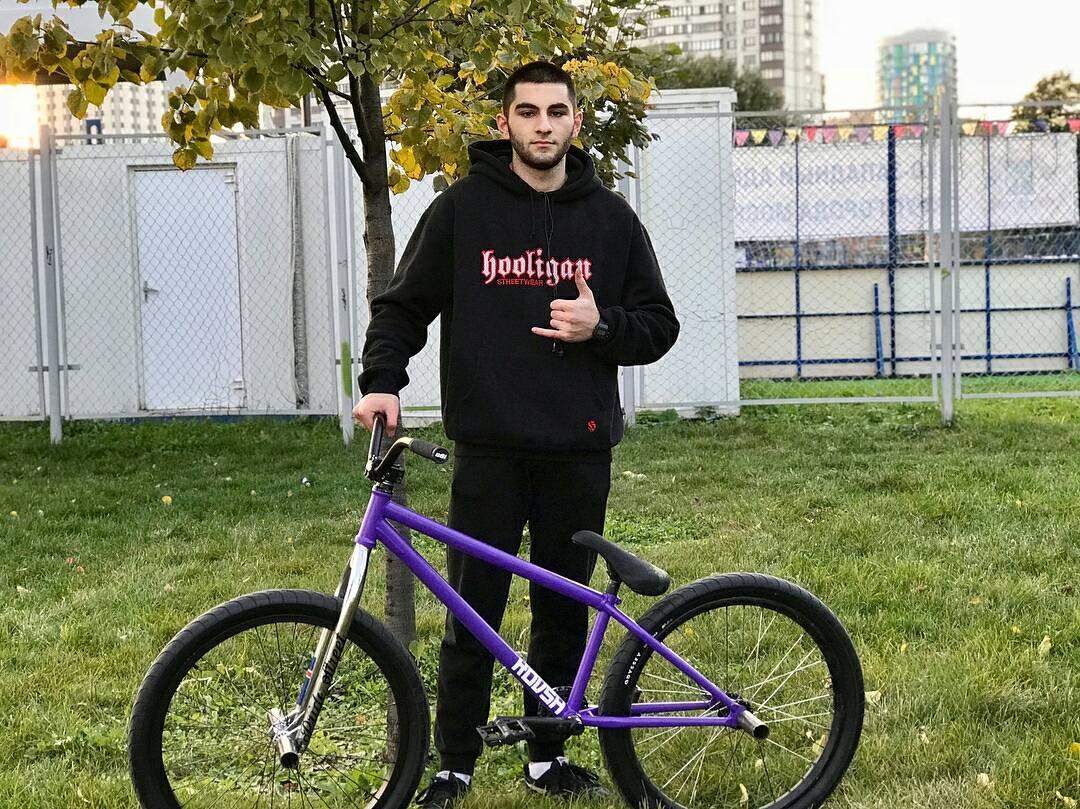 Freshes from Elnur @elnur101 За время,пока я восстанавливаюсь,решил немного освежить свой велосипед,вот что вышло) @pridestreet @kutikataico #pridestreet #bike #bmx #mtb #yo