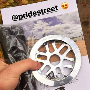 New stuff already in our team yo! @elnur101  #pridestreet #psbikes #clipguard