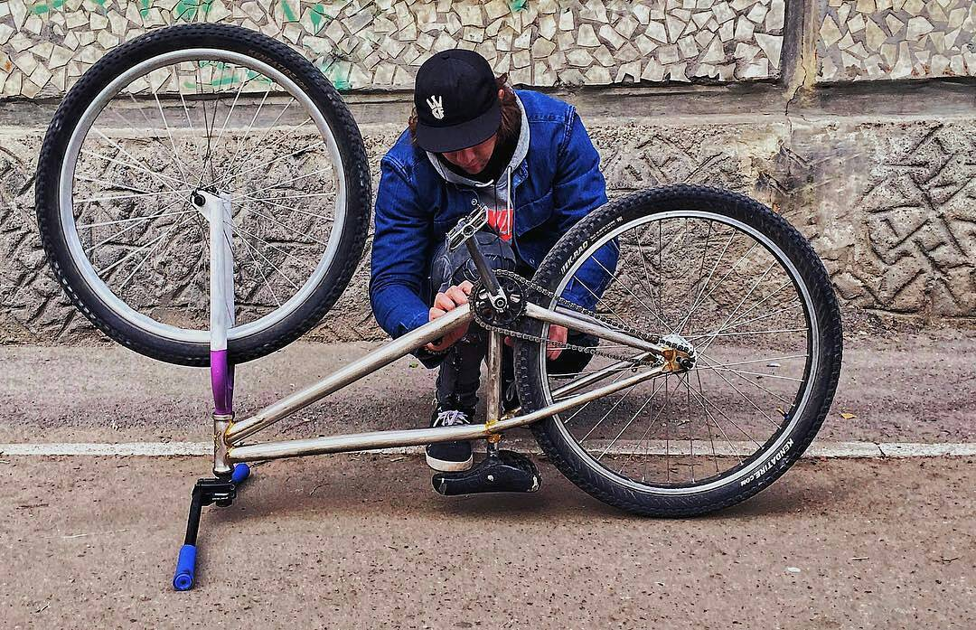 Tuning moments from Egor @egorkamazur – – #pridestreet #psbikes #shredframe