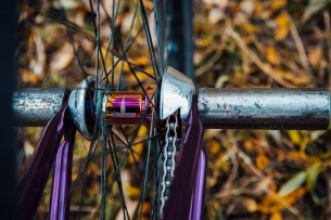 "What's up here? Pride Street Impulse hub in Oil, with SDS+ system, so now you free with left or right side riding, yoyo more photos from this Purple Beast ( based on Pride Street Main Frame Pro version 26"") you can check here  Serj Matt aka @serj_matt #pridestreet #psbikes #mainframepro"