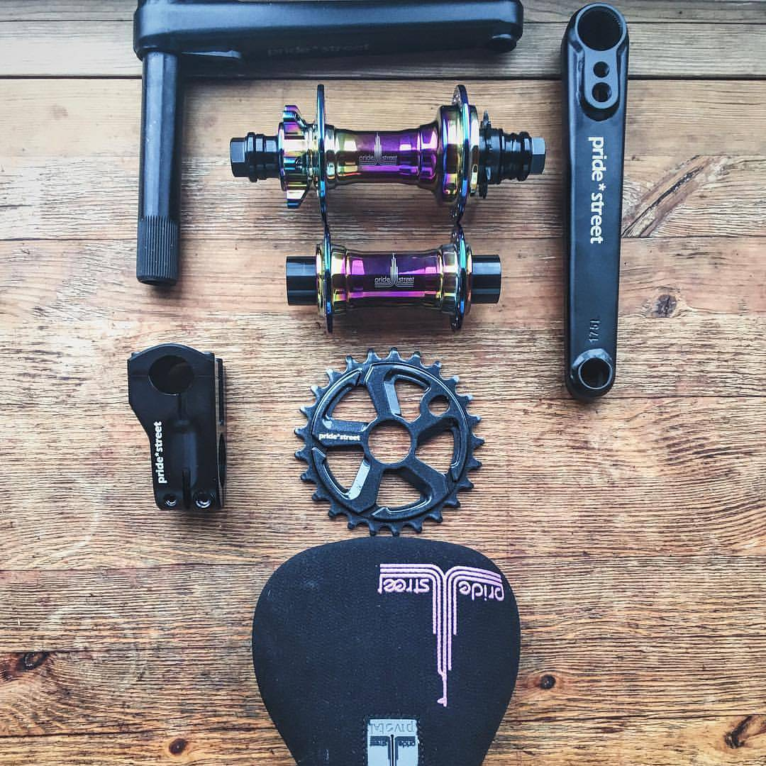 Some freshes from our Stock, pretty nice compilation with PS Atlas cranks,  PS Mono hubs in Oil, and more, yoyo  #pridestreet #psbikes #atlasranks #slimseat #imperialsprocket