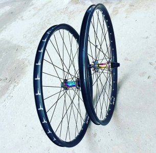 "What a sweet boys, Pride Street Gaijin Rims 26"" (569 g.) and sweet oil set PS Mono front hub (149 g.) and PS Mono Hub Rear  from @real_velo -  Жирный #wheelset на ободах и втулках #pridestreet собран в #риалвело #севастополь #крым #realvelo #mtb #bmx #bike #psbikes #ridemtb #mtblife - #psbikes #gaijin"
