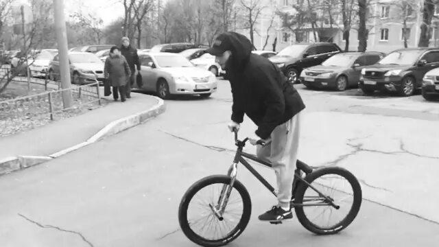 Yoyo Elnur come back after recovery @elnur101 –  Вроде могу еще что-то)) #pridestreet #kutikataico #mtb #bike #psbikes