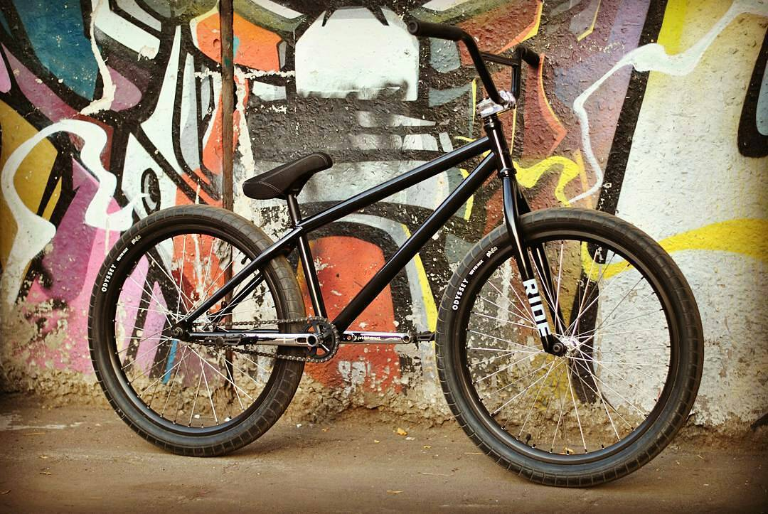 Man in black, Pride Street Shred Frame from @shkondaride #pridestreet #psbikes #shredfram
