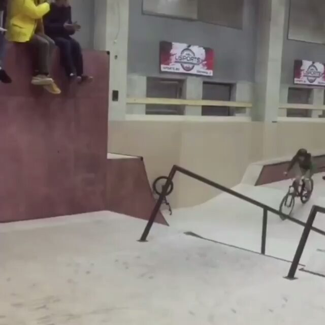 What's up!🔥🔥⚡Vania Popov @vania_vegett make what?))) 📹 from @alexnikulinbmx –  @vania_vegett is Russian AF😂 He is ok tho👍 @vania_vegett лучший🔥 Есть идеи что хотел сделать Ваня?😂 🎥 @rafushabmx